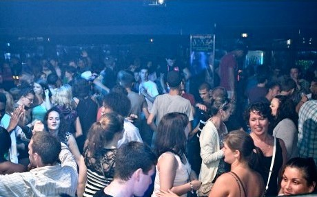 Enjoy your friends at Disco Prive Lloret